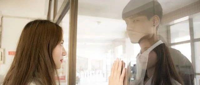 塔羅測:其實我們的青春,都藏在了暗戀里