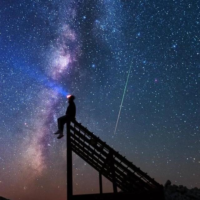 心理测试:凭直觉选出最喜欢的一幅星空图,测出你最近的运势好坏